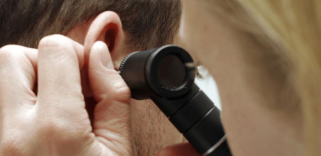 کان کا بہنا وجوہات علامات اور اس کا علاج